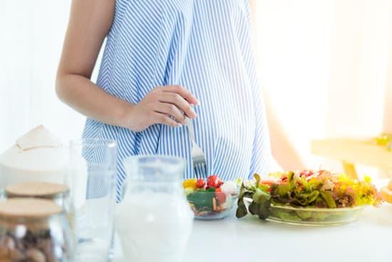 التغذية في الشهور الاولى من الحمل